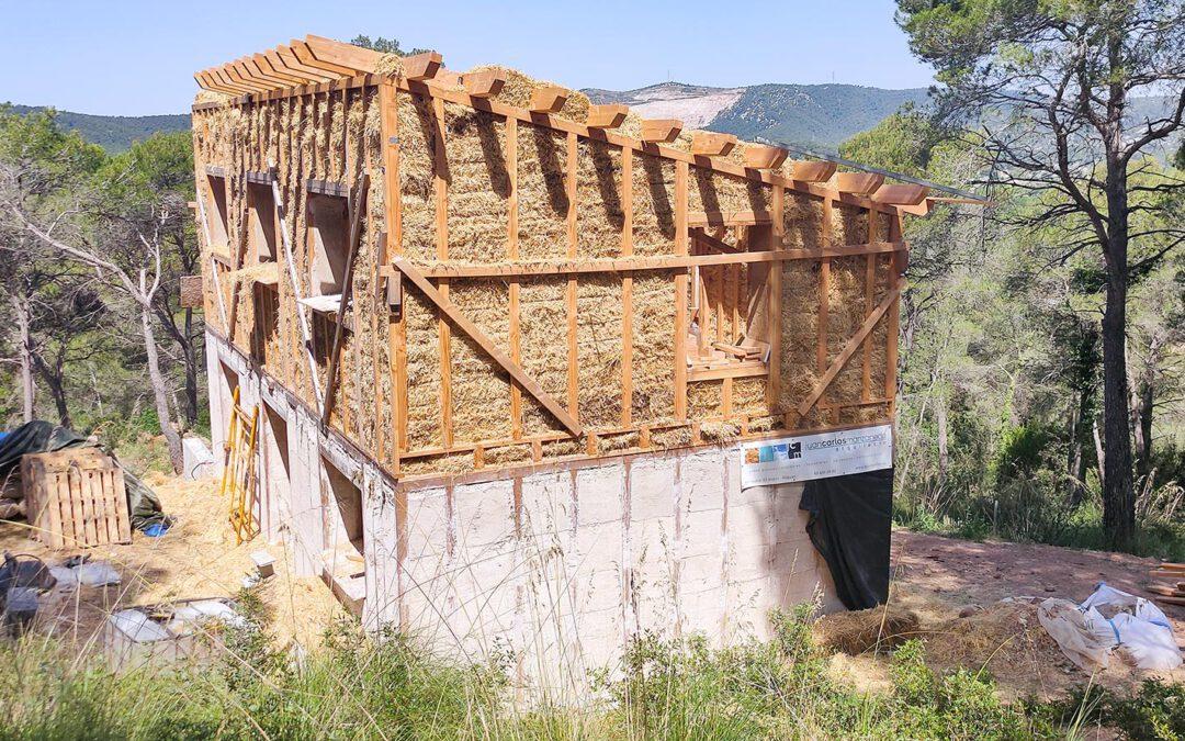 Proyecto de casa de paja en Begues